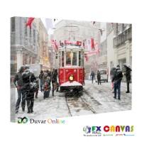 İstiklal Caddesinde Kar Yağışı Kanvas Tablo