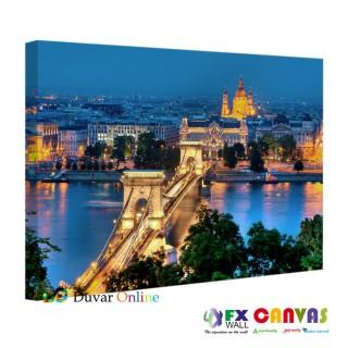 Tuna Nehri Üzerindeki Budapeşte'nin İncisi Zincir Köprü Kanvas Tablo