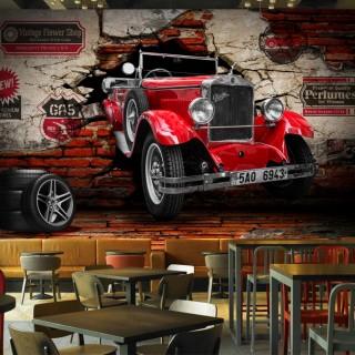 Duvardan Çıkan Klasik Araba