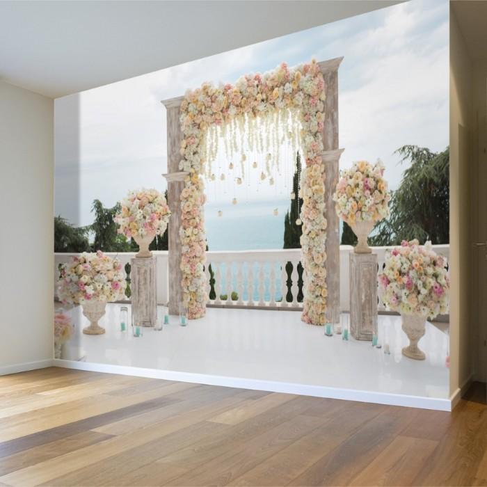 Çiçeklerle Süslenmiş Alan Duvar Posteri